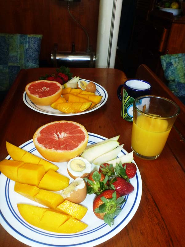 The breakfast that resulted from those tropical fruits :)